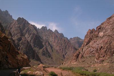 Левая часть ущелья - Иран, правая - Армения. Автор фото Завирюхина Мария (Масяня)